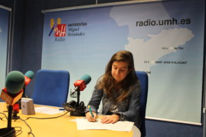 Paula Vera en el programa SÚBETE A LA RADIO UMH