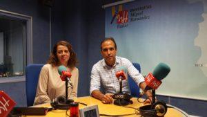 """Esther Fuentes y Enrique Conejero en el programa """"Pilla uno"""""""